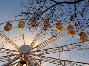 grande roue marché de Noël