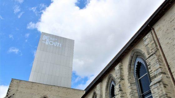 DEBOUT ! A L ASSAUT DE LA COLLECTION PINAULT